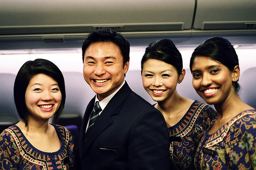 2845853643-singapore-airlines-sq1-cabin-crew.jpg