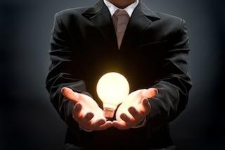 Veer bulb in hand.jpg
