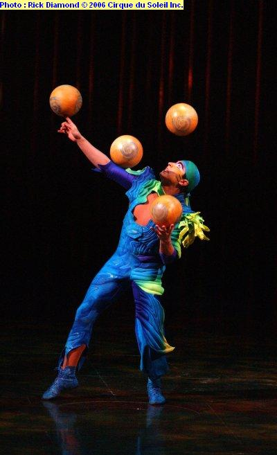 varekai_juggling.jpg